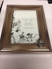A62 Horse Shoe  PICTURE FRAME SILVER EMBLEM 6X4 , 4x6  HANG OR STAND