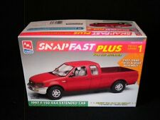 AMT/ERTL Snapfast 97 Ford F-150 4x4 Extended Cab 1/25 Kit