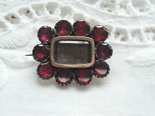 ANTIQUE GEORGIAN VICTORIAN GOLD CASED GARNET HAIR MOURNING BROOCH