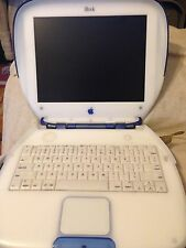 iBook G3 Clamshell - 300 MHz - Blueberry