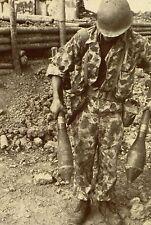 Militaria - Indochine - Paras du 10ème BPCP à la recherche de munitions cachées