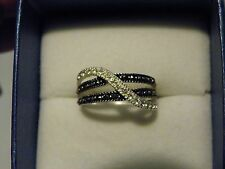 White cubic zirconia & black marcasite band ring in 925 Serling Silver size 8