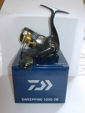DAIWA SWEEPFIRE SWF1000-2B Spinning Fishing Reel 2/4/6lb Line LIGHT/ULTRA LIGHT