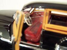 Danbury Mint 1/24 1949 Oldsmobile 88 Station Wagon LE/Box