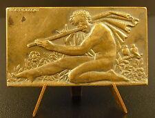 Médaille joueur de flûte nu sc Crouzat vers 1940 50 mm  naked flute player medal