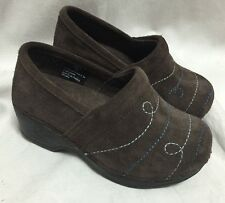 LL Bean Girls Suede Brown Clogs Suede Size 10 Toddler Embroidered Scroll Design