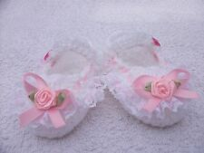 Baby Booties / crochet handmade in pink and white for a 0-3 month baby girl.