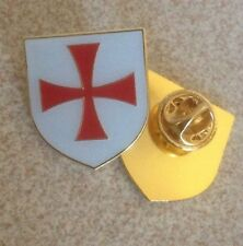 St Georges England /Biker/Crusade Cross Metal Pin Badge Knights Templar Football
