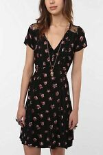 KIMCHI BLUE Urban Outfitters Wildflower Dress Black Size Large Violet Harmon