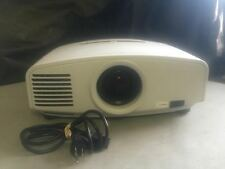 MITSUBISHI XD1000U PROJECTOR, 3000 LUMENS, 738 HOURS ON ORIGINAL LAMP!!!