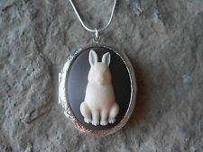 (LOCKET)- BUNNY RABBIT (CREAM/BROWN) CAMEO LOCKET!! QUALITY!! EASTER, GIFTS!!