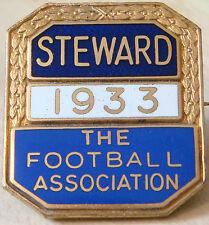 THE FOOTBALL ASSOCIATION 1933 STEWARD Badge Maker DENTON&DOWN LONDON 28mm x 32mm