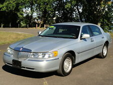 2002 Lincoln Town Car Executive Series 81K MILES! CLEAN AUTOCHECK!