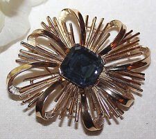 DAZZLING CROWN TRIFARI SIGNED PIN WITH GORGEOUS BLUE STONE EXCELLENT-NO WEAR!!