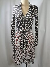 $445 DVF Diane von Furstenberg T72 100% Silk Wrap Dress Size 4