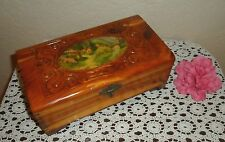 VINTAGE CHIC HAND MADE CEDAR WOOD MEN / WOMEN JEWELRY STORAGE TRINKET BOX