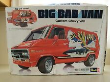 REVELL - BIG BAD VAN - CUSTOM CHEVY VAN 20 - 1/16 MODEL KIT (OPENED)