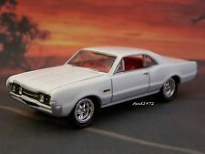 1967 67 OLDSMOBILE CUTLASS 442 COLLECTIBLE MODEL 1/64 SCALE  DIECAST - DIORAMA