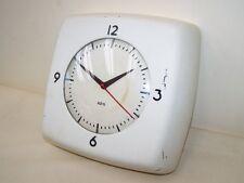 Schöne alte Küchenuhr, AEG Uhr mit Synchronuhrwerk  230 V Art Deco Design