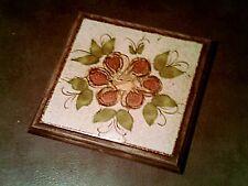joli dessous de plat - gres et bois - motif fleur classique / bon etat