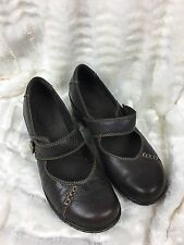 Woman's Clarks Brown Leather Mary Janes Size 7