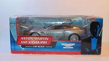 007 película de James Bond 1/18 Die Cast coche Aston Martin V12 Vanquish Muere otro día