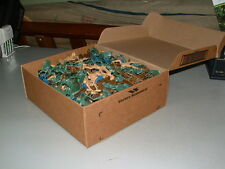 HUGE Lot, 300+ Toy Soldiers, Army Men from 70's, 80's, 90's era ~GIGANTIC LOT~