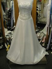 Mori Lee Wedding Dress size 8 Ivory satin GORGEOUS A-line strapless Traditional