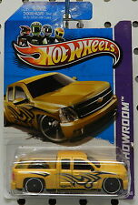 CHEVY SILVERADO YELLOW GOLD DONKS 168 2013 TRUCK PICKUP LOWRIDER HW HOT WHEELS