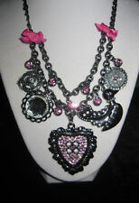 BETSEY JOHNSON PINK BLING HEART AND DUCK CHARM NECKLACE  GUNMETAL GRAY