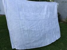 VINTAGE BANQUET SIZE WHITE QUALITY DAMASK TABLECLOTH