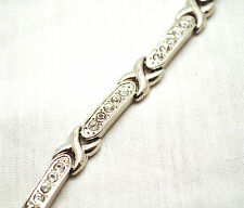 LADIES 7.5 INCH MAGNETIC THERAPY LINK BRACELET: Silver Hugs & Crystal Kisses