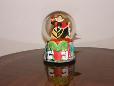Alice in Wonderland Queen of Hearts - Disney Snowglobe - Musical