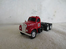 VINTAGE ERTL 1/64 RED MACK CAB IH TOY TRUCK TRACTOR DCP
