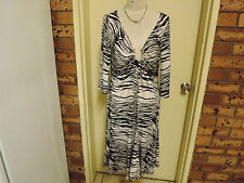 Charlie Brown 3/4 Length Sleeve Stretchy Zebra Print Dress sz 14