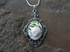 GORGEOUS CAT CAMEO NECKLACE PENDANT (WHITE/GREEN) 925 PLATE CHAIN- QUALITY!!!