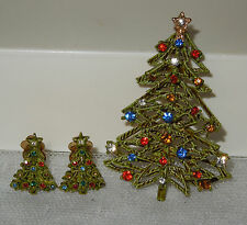 Vintage ART Rhinestone CHRISTMAS TREE 3D Pin Brooch & Matching Clip On Earrings