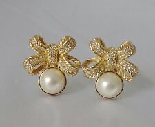 FABULOUS VINTAGE CHRISTIAN DIOR RHINESTONE BOW SWAG PEARL CLIP EARRINGS GOLDTONE