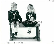 1988 Children Fashion Boy/Girl in Matching Outfits Original News Service Photo