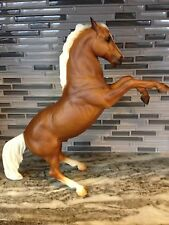 BREYER TRADITIONAL # 949 CLUE II FIGHTING STALLION PALOMINO  RIGHT OUT OF BOX