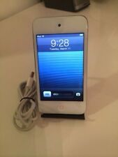 Apple iPod touch 4th Generation White (8 GB) NO SCRATCHES ON BACK OR FRONT!