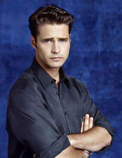 Jason Priestley UNSIGNED photo - B1262 - Beverly Hills, 90210, Tombstone, Haven