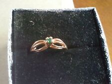 10k Yellow Gold Ring With A Small Round Emerald Stone Size 5