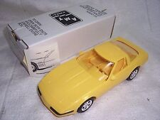 AMT 1/25 1995 DEALER PROMO CAR CORVETTE ZR-1 YELLOW -MIB