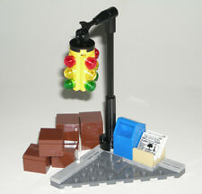 LEGO CITY STREET CORNER Intersection Traffic Light/Mailbox/Newspapers 6858