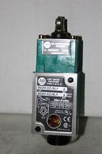 Pre-wired Sealed Limit Switch 5-24VDC 1.1AMP Allen Bradley 802M-DZJ9-LF