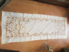 superbe ancien grand chemin de table broderie ajourée a decor floral