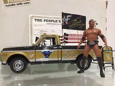 WWF/WWE la Roca de los pueblos luchador de Recolección Camión 1:24 Diecast