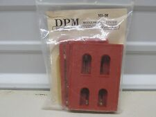 DPM MODULAR SYSTEM # 301-08 ~TWO STORY ARCHED 4 WINDOW~ LOT H ~ HO SCALE