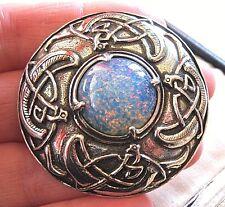 VINTAGE design firmato miracolo Celtic zoomorfi Kilt spilla di Vetro Opale Scialle Pin